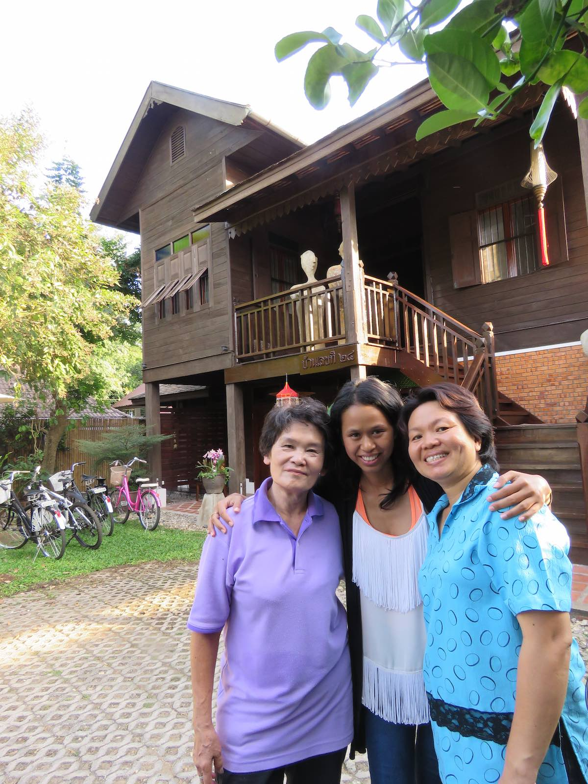 photo of Pha Noi, Toto, Toto and Phi Rose in front of the Swiss Lanna Lodge.