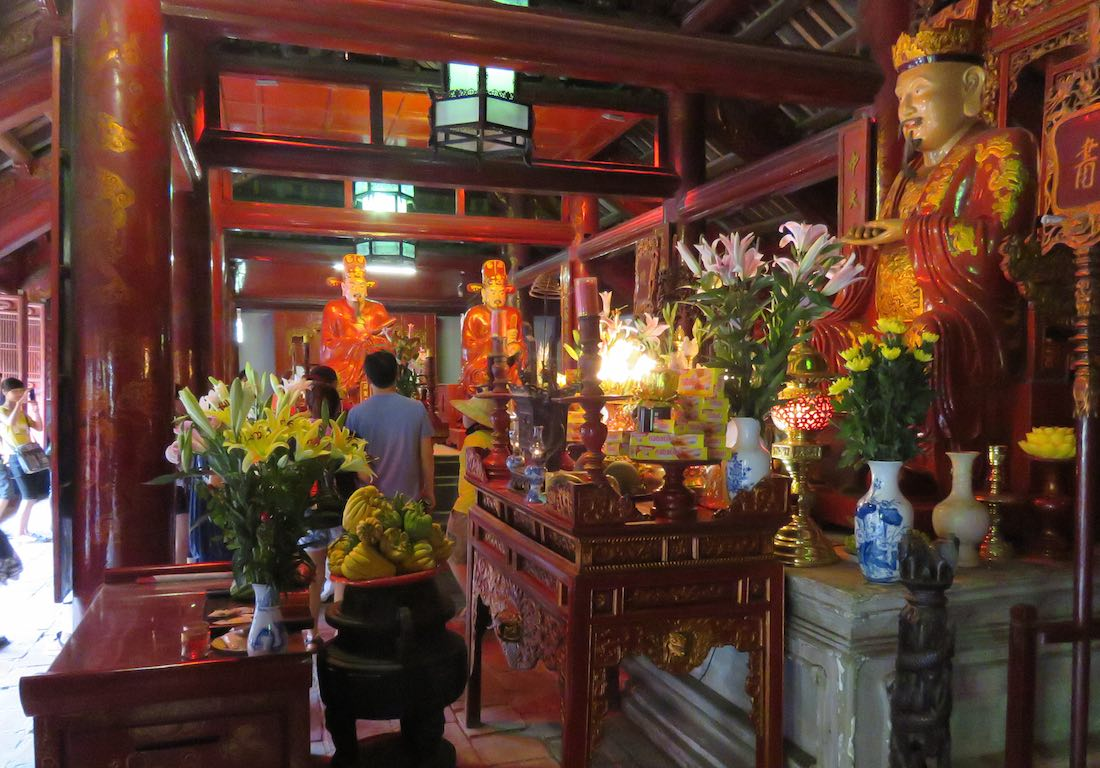 alter-place with offerings and statues