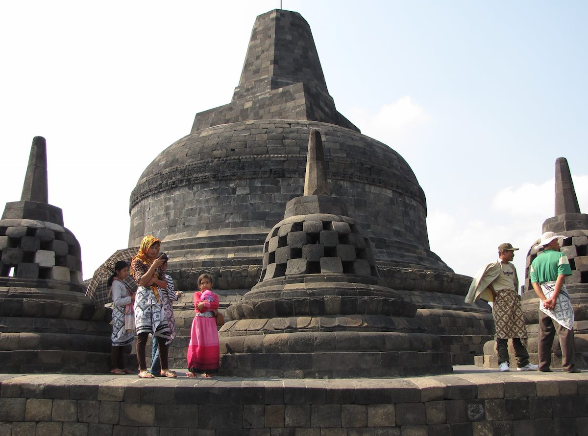 tourists on the top of Borobudur